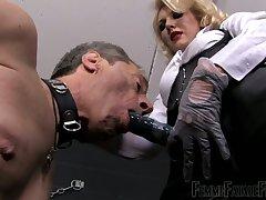 Dominant auburn slut Lint Akella gonna use strapon to punish dude