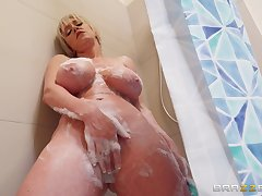 After she takes a shower Dee Williams jumps heavens a friend's hard penis