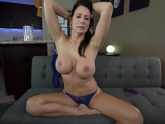 Busty mature goes full mode in a pleasant solo XXX