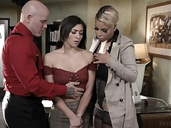 MILFie boss Bridgette B makes assistant suck bushwa for their worker