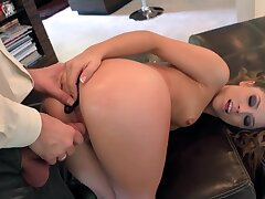 Super flexible blowlerina with juicy ass takes long sloppy bushwa into her ass